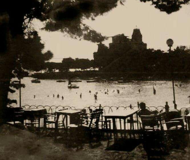 Caddebostan gazinosu ve plajı. 1960