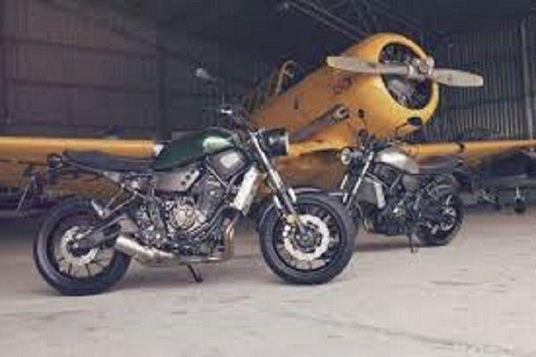Te motocykle mają w sobie coś z dawnych maszyn – scramblerów czy cafe racerów. Jednakpozostają nowoczesnymi konstrukcjami, które mają spełniać obecne oczekiwania motocyklistów.Wybór tego typu maszyn na rynku z sezonu na sezon się powiększa. BMW R nineT Indian Chief Vintage Honda CB1100 Kawasaki W800 Moto Guzzi V7 i V9 Yamaha Sport Haritage Junak M11 Cafe