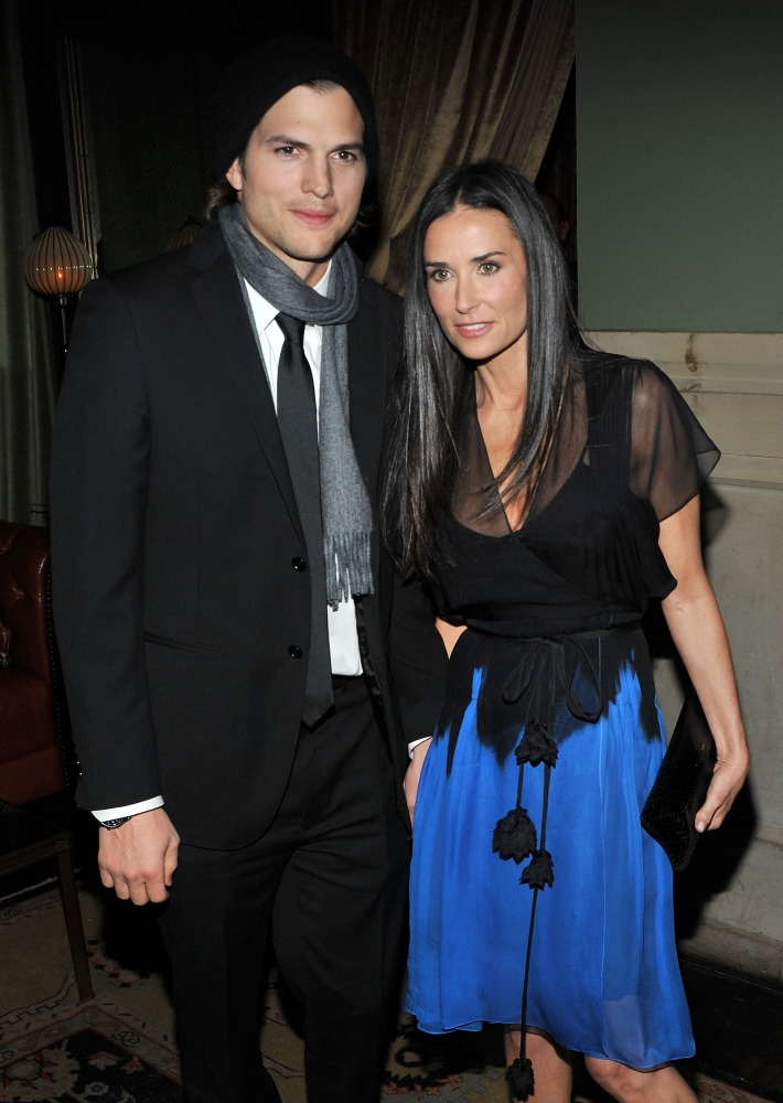 love her dress.. even if they are splitting! Ashton Kutcher, Demi Moore Divorce: Actor Files For Divorce From Wife