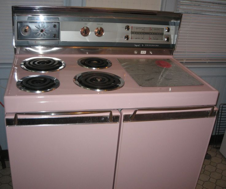 1961 Frigidaire Imperial -Shiny and clean! Everything works including clock!- Leila: Vintage Stoves, Includ Clocks