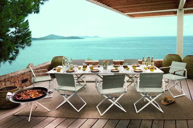 Dining outside! #avax #avaxdeco #diningtable #furniture #interiordesign #design #house #greekfurniturestore #outdoorfurniture