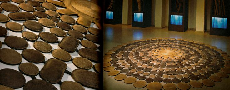 Dywan Sunshine, wymiary: Ø 242 cm, w odcieniach brązu i złota, doskonale spełni rolę dekoracji ściennej. Może służyć jako zagłówek łoża!