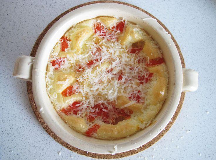 Omleta pufoasa cu rosii la cuptor