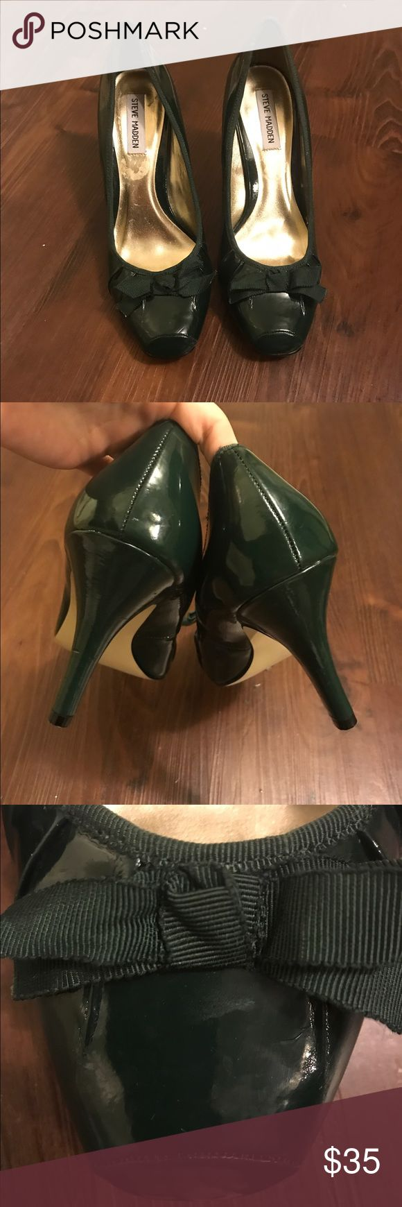 Great condition Hunter green Steve Madden pumps! Hunter green Steve Madden pumps with bow. In great condition was use only once or twice. Have a few marks on heel but hard to see. I included some pictures , please ask if you would like to see more :) Steve Madden Shoes Heels