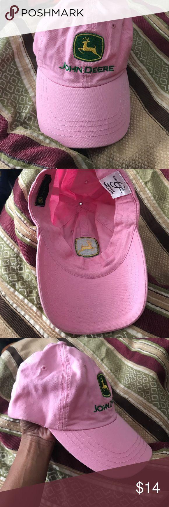John Deere hat NWT JOHN DEERE HAT *make an offer* John Deere Accessories Hats
