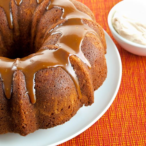 Apple bundt cake with glaze recipe