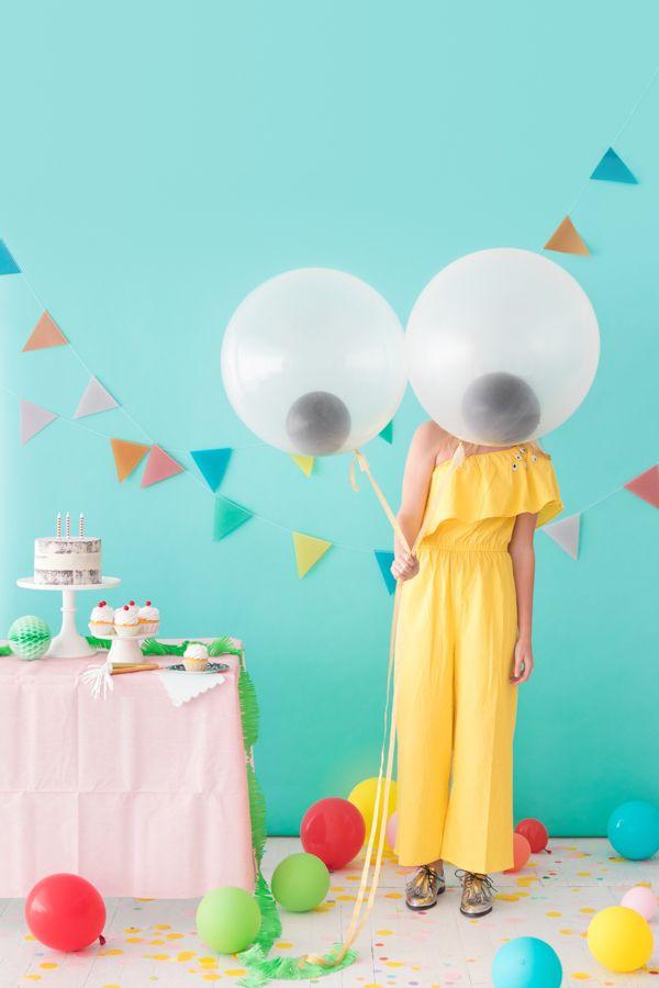 Giant Googly Eye Balloons |