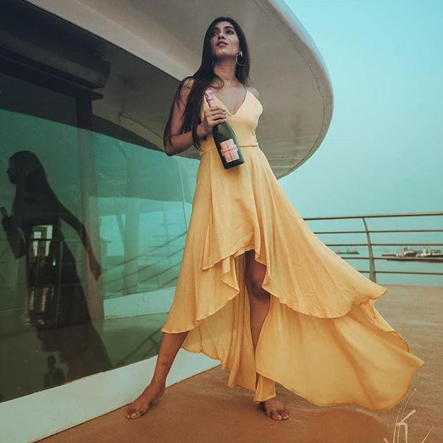 Hurry!!! Shop it Today #ZooombergFashion… Yellow High Low Plunge Neck Dress For 2394 INR/-. . . . @vaishnavi_andhale . . . #zooomberg #new #onlineshopping #NewArrivals #shopnow #newstock #style #trend #womensfashion #love #offers #ecommerce #designer #zb #igers #fashion #shopping #post #samedaydelivery #shipsin24hrs #yellow#highlife#ootdguide#ootdfashion #ootd