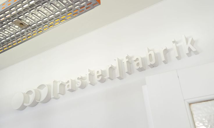 werbeagentur, [raster]fabrik gmbh, style, logo, 3-d schriftzug, wandgestaltung, büro