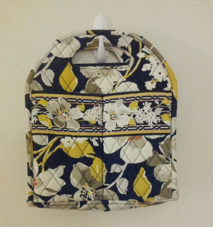 Vera Bradley Lunch Bag / Tote in Dogwood #VeraBradley #TotesShoppers