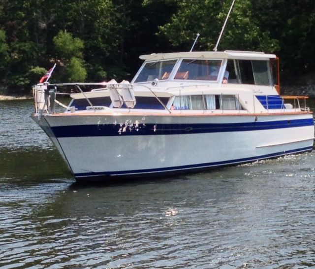 Our boat: 1965 Chris Craft Constellation Sedan, Grand Lake OK | But a dream | Pinterest | Crafts ...