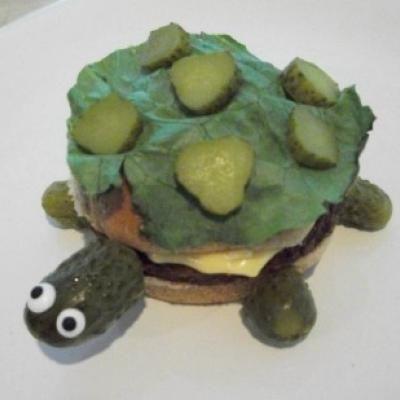 Turtle Burger {Kids Food Crafts}