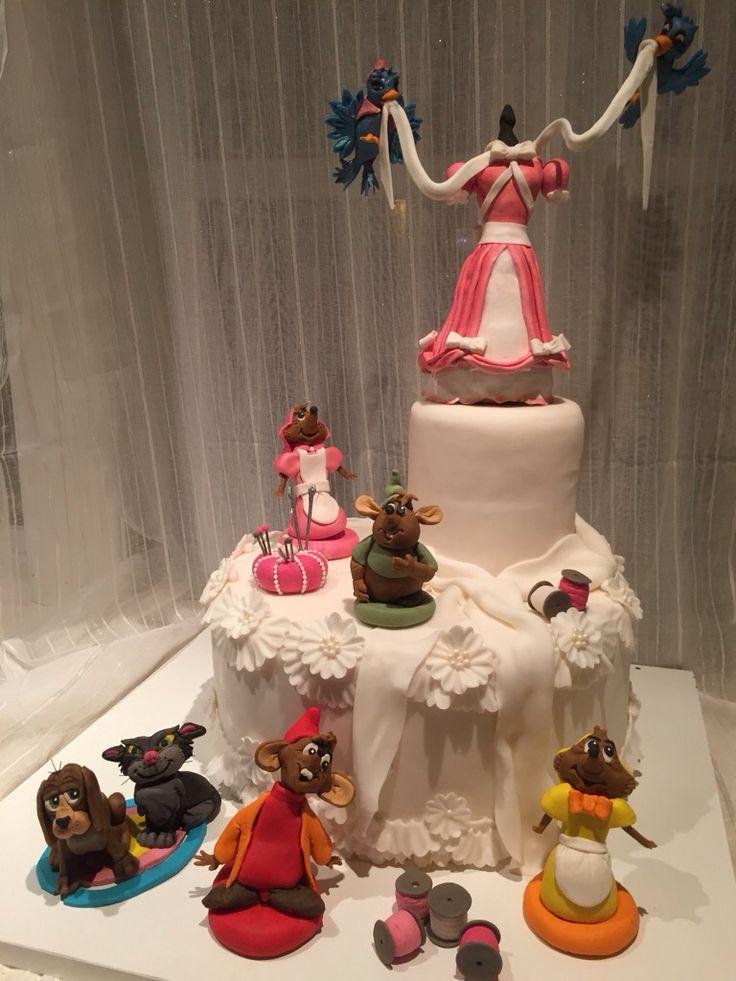 #cinderella #disney #cake #gus Caketopper #cakedisign #cinderellacake #askepott #disneycake