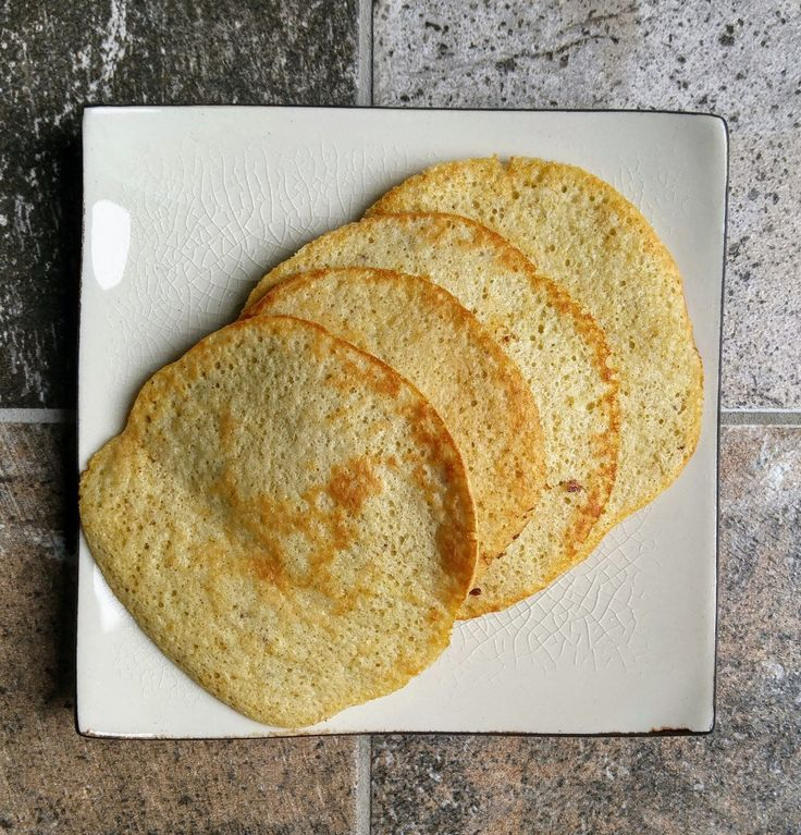 Three ingredient GLUTEN FREE PANCAKES that are easier, faster and MORE NUTRITIOUS than the traditional variety? Yes it's true, this does exist.