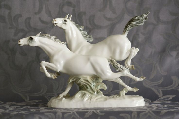 "HORSES IN FREIHEIT HUTSCHENREUTHER DEATIL Porcelain sculpture titled ""In Freiheit"" shows a pair of running horses on a pedestal. I tis a product of German company Lorenz Hutschenreuther AG in Selb, Bavaria. Designed by German sculptor Fritz Hermann Max. Marked at the bottom of the base with a green printed mark  with the inscription ""Abteilung für Kunst"" used in the years 1920-1938. The sculpture is in perfect condition, no defects or repairs. Dimensions: 26x38x13 cm Weight: 2105 g"
