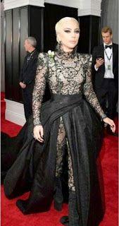 Lady Gaga, Fotos de la Alfombra Premios Grammys 2018 - Mademoiselle Vintage Clothes