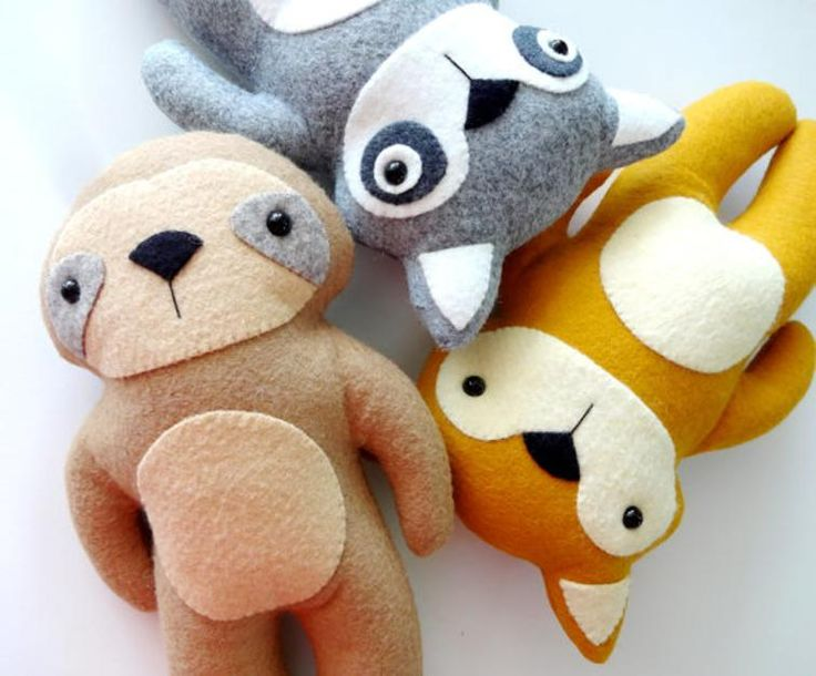 These adorable animal plushies make the perfect baby gift. Choose to sew up a sloth, racoon or fox with this fast and easy beginner sewing pattern.