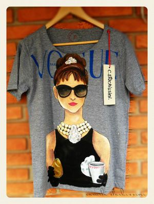 Camiseta Vogue Bonequinha de Luxo