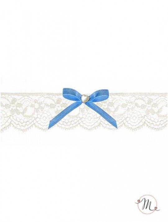 Giarrettiera Pizzo e fiocco azzurro. Questa giarrettiera bianca ha un fiocchetto fatto con un nastrino azzurro. Materiale: pizzo e raso. Delicata ed elegante, è quel tocco di blu che non può proprio mancare. Misura: unica. In #promozione #matrimonio #weddingday #ricevimento #wedding #sconti #giarrettiera #giarrettiere #sconto #nozze