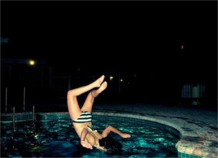 I Hope Thats Water - Top 20 Hilarious #PerfectlyTimedPhotos #Weird #FunnyPictures #wtf