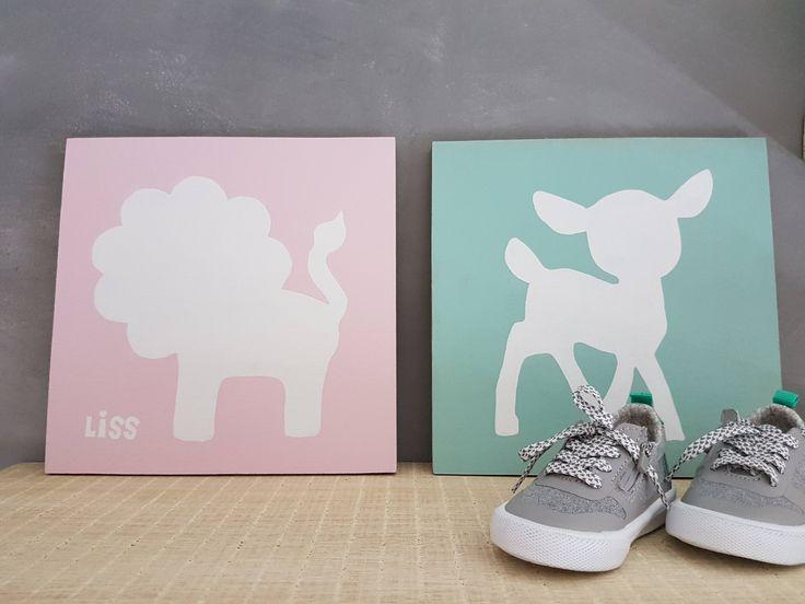Blij om mijn nieuwste toevoeging aan mijn #etsy shop te kunnen delen: Paneel, dier, hout, baby, kleur, schilderij, babykamer, decoratie, met naam, kraamcadeau, kraamkado, leeuw hert uil giraf konijn nijlpaard