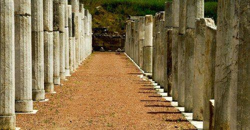 Costa Navarino per l'estate 2012 propone: Passeggiate Filosofiche e Antica Olimpia
