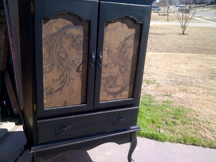 Up-cycled cabinet, with paper table runner in the incert!  www.dumpster-diva-mimi.blogspot.com