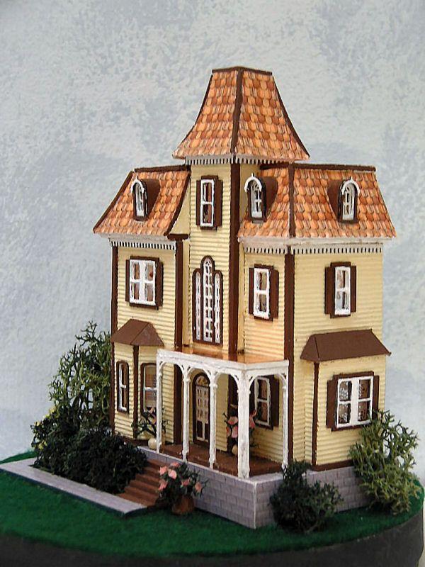 10011 best DOLL HOUSES images on Pinterest Dollhouses Miniature