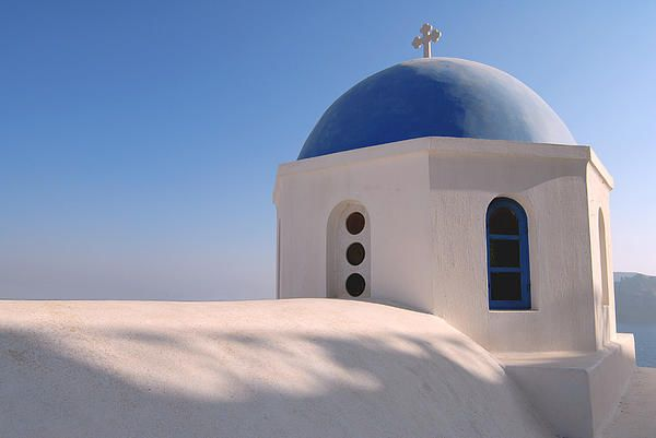 I understand that in Greece, it is possible to buy paint in a colour called 'Santorini Blue'. While the Agean Sea certainly was a lovely blue when I was there, I suspect 'Santorini Blue' is more about the colour of the sky. I didn't see a cloud in the five days I spent there. The dome of this church illustrates how well this shade of blue matches the sky. #Santorini, #church, #blue, #Greece
