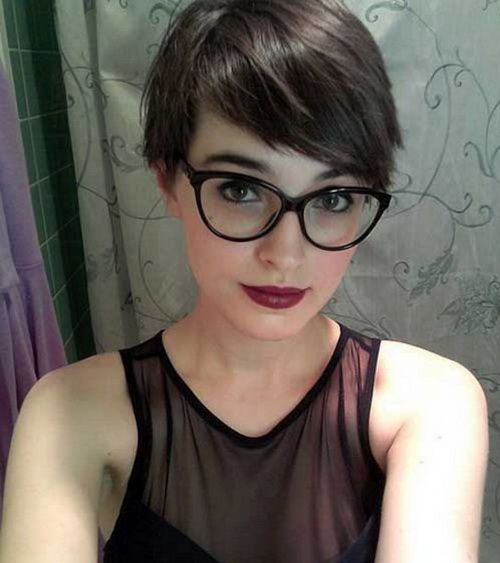 2017 Side Part Short Layered Dark Hairstyles Jpg 500 215 563
