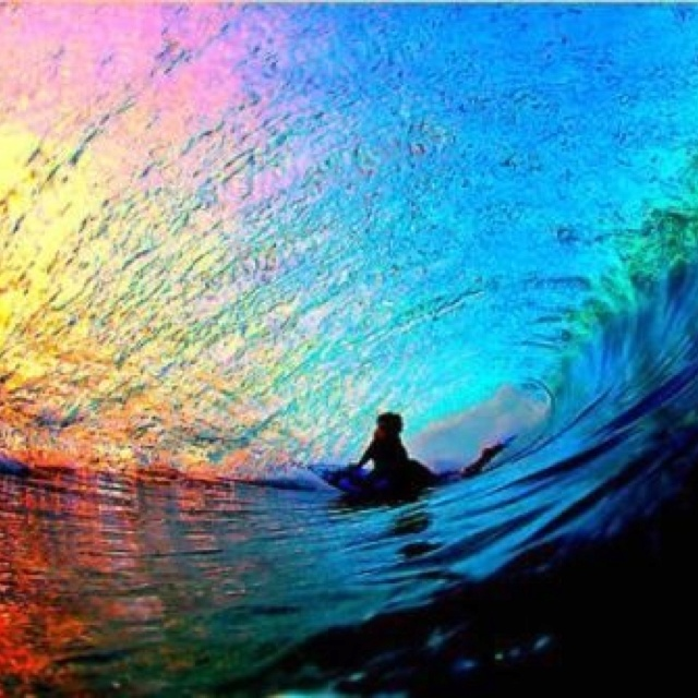 Beautiful wave. surfing