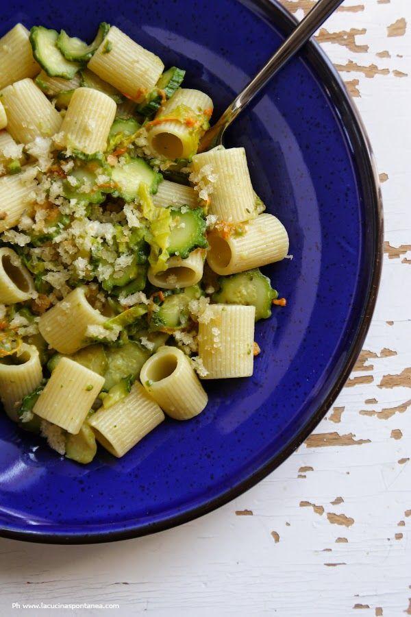 La cucina spontanea: Mezzi rigatoni con zucchine e colatura di alici