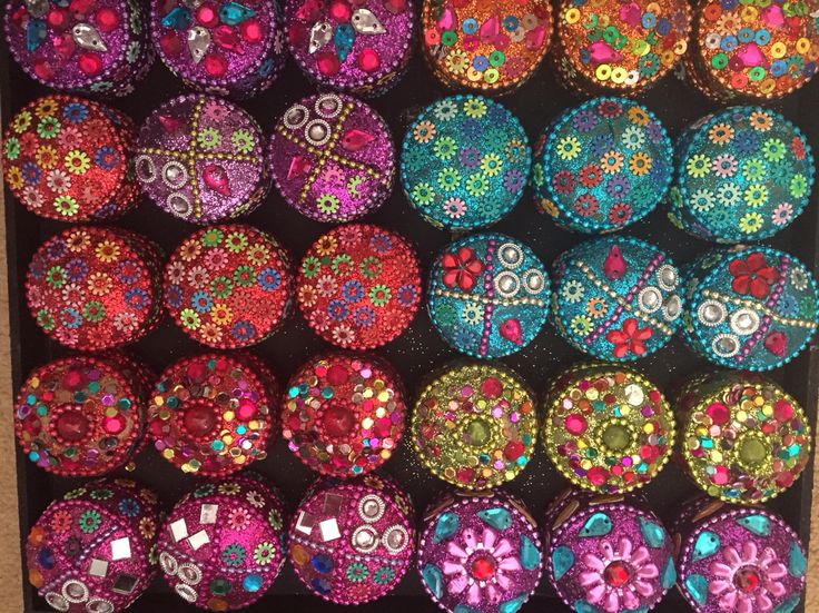 Gorgeous Asian trinket boxes by Fuschia. These make great Asian wedding favours.