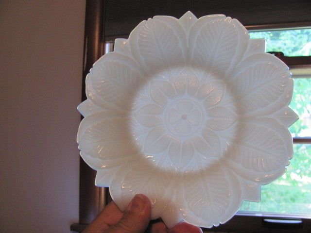 "EAPG ca. 1900 -  8"" Westmoreland Plate-  Acanthus Leaves - Excellent"