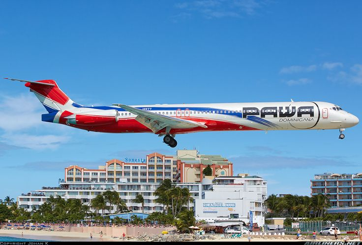 McDonnell Douglas MD-83, PAWA Dominicana, HI-977, cn 49845/1573, first flight 10.2.1989 (German Wings), PAWA delivered 14.5.2015. Foto: Philipsburg, St. Maarten, 23.11.2015.
