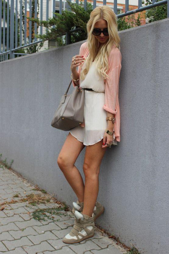 #style #fashion #fashionweek #beauty #pink #pastels #chic #chicstyle #inspiration #girly #fashionista #fashionweek #blogger #blog #bloggerstyle