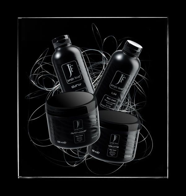 Quattro formule esclusive per le specifiche tipologie di capelli.  Four exclusive formulas for specific hair types.