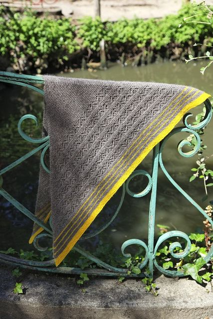 Tribute to EZ, knitted shawl