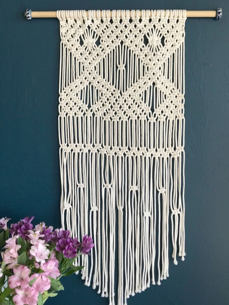 A Macrame Wallhanging Is The Perfect Project For Beginners