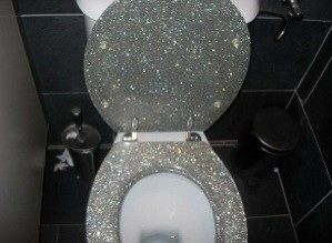 sparkly toilet? Must-have for my bachlorette pad!