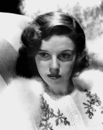 Judy Garland /Dorothy Date of Birth 10 June 1922 , Grand Rapids, Minnesota, USA Date of Death 22 June 1969 , Chelsea, London, England, UK  (accidental barbitur...