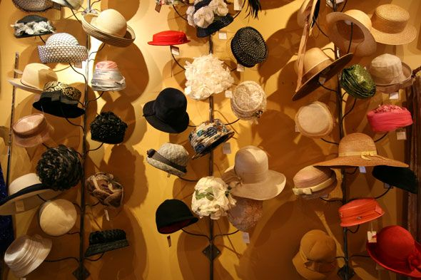 hats! vintage hats! My sister's friend Beth had hats on her wall ..,,,creative.. she looked great in vintage hats too..
