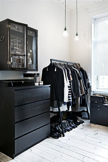 Love open closet space