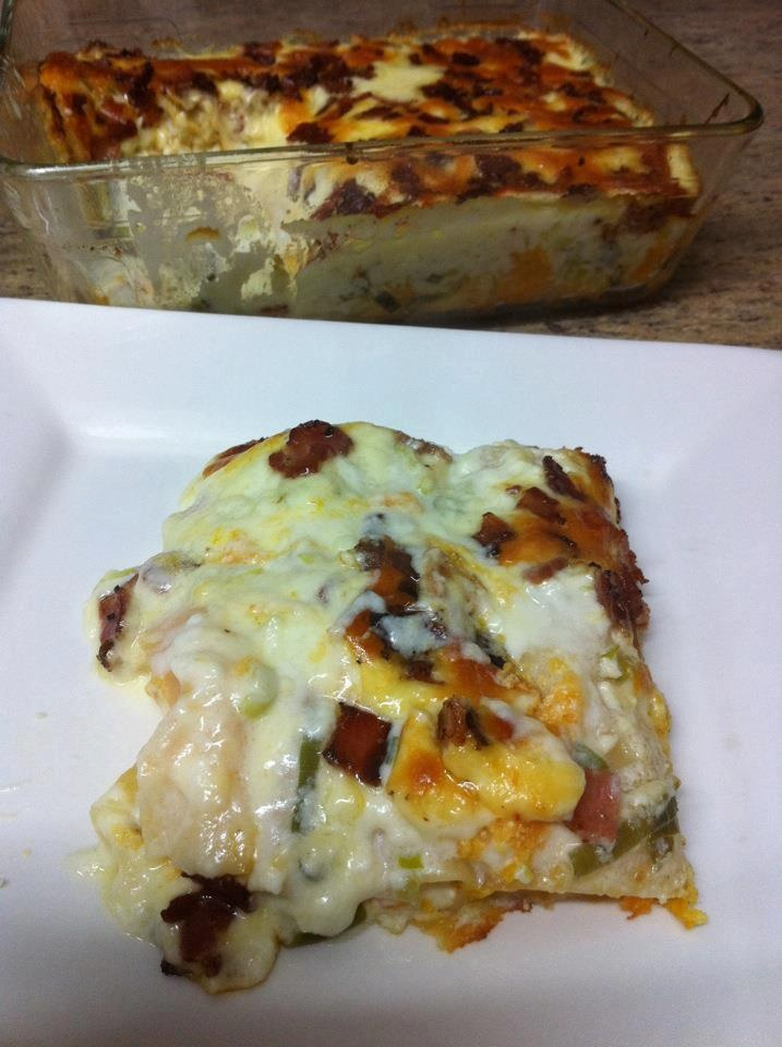 Sweet Potato & Ricotta Cannelloni with Creamy Garlic Sauce!  Get the instructions here: http://www.facebook.com/photo.php?fbid=323066637768240=a.140579589350280.35621.118018038273102=3
