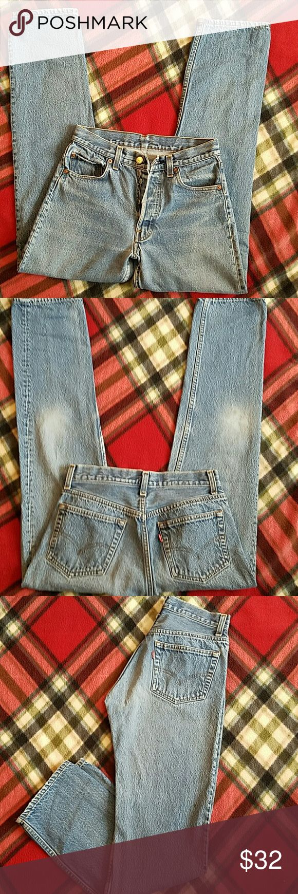 VINTAGE LEVI'S 501 BUTTONFLY JEANS VINTAGE DISTRESSED LEVI 501 BUTTONFLY  JEANS NO TAGS 26W 30L LEVI 501 Jeans