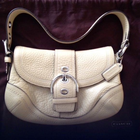 Coach purse Beautiful Coach Tan Pebbled Leather Purse!! NWOT!! Coach Bags