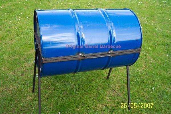 Original Barrel Barbecue in closed position