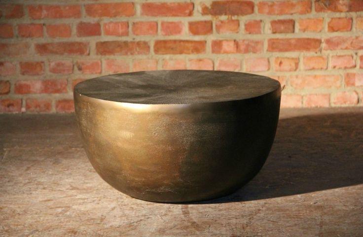 Kleine ronde tafel met antiek koperen look - Small round table with antique brass look - #WoonTheater