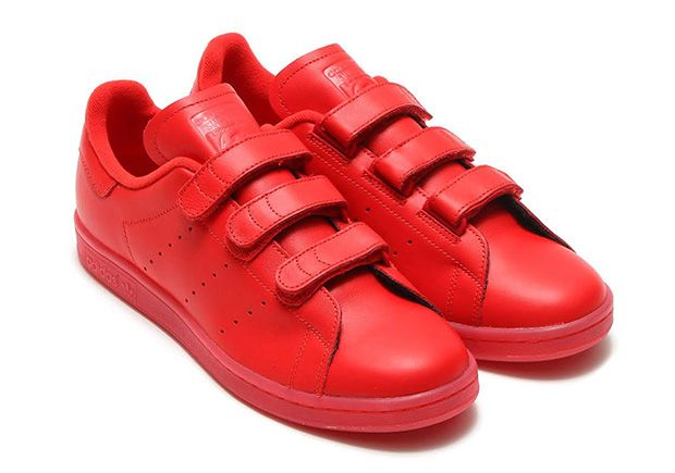 These definitely aren't your grandpa's velcro shoes…unless your grandpa is unusually fashionable for his age and likes all-red sneakers. The adidas Stan Smith goes all red for this latest version of the silhouette swapping out the standard shoe laces for … Continue reading →