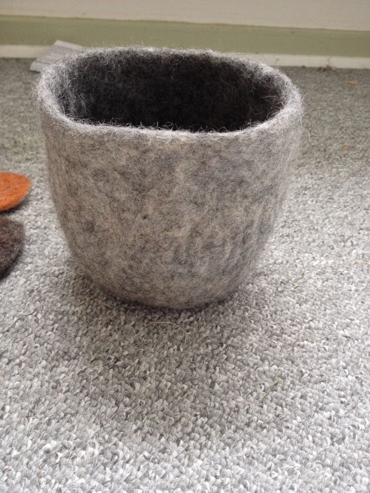 Felted bowl in dark and light grey wool :)